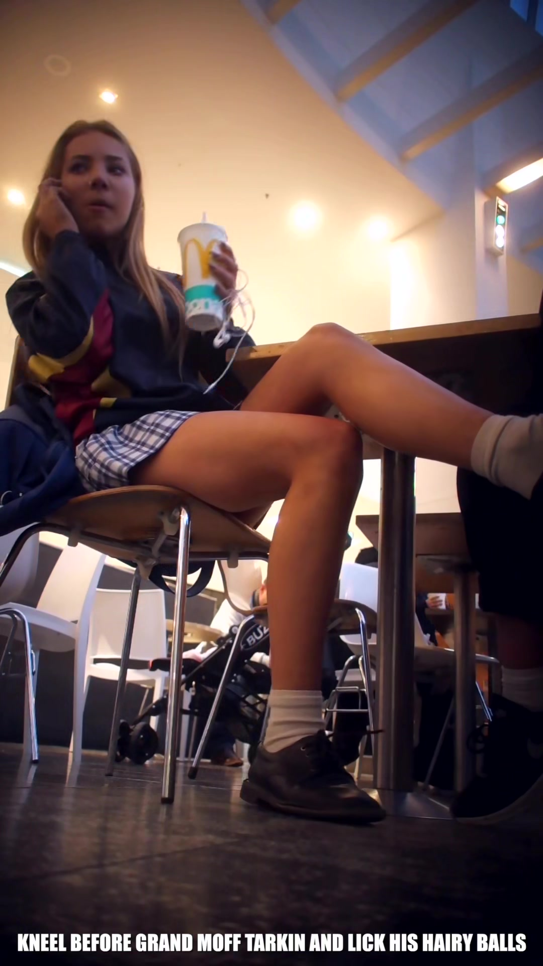 sexy schoolgirl upskirt