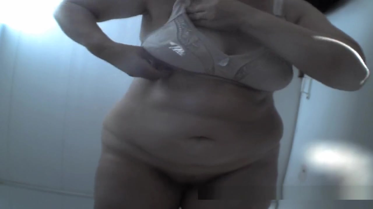 New Beach, Spy Cam, Changing Room Video Uncut