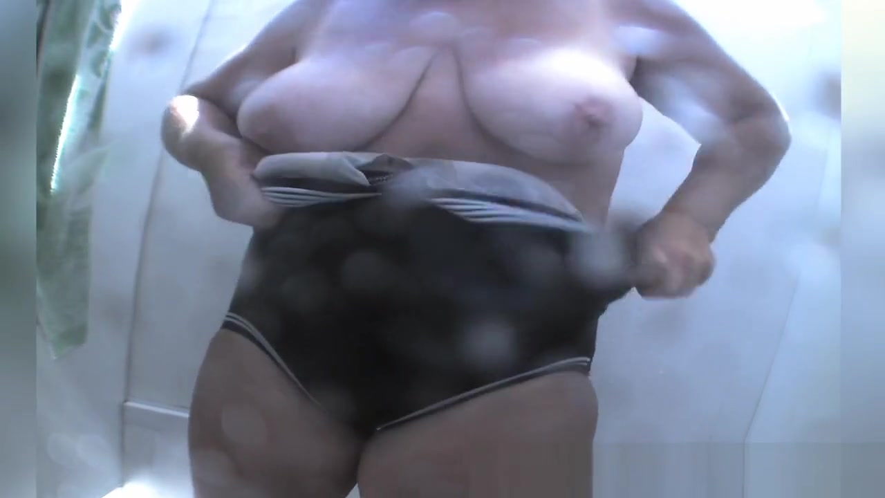 Changing Room, Amateur, Beach Movie Full Version