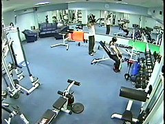 Amateur voyeur with threesome having dirty fucking in the gym