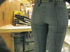 Hot ass in jeans in this street candid video