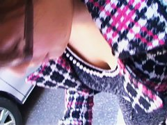 Candid cam downblouse video of a Japanese girl