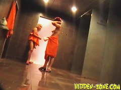 Babes lose off towels and wash on shower spy cam