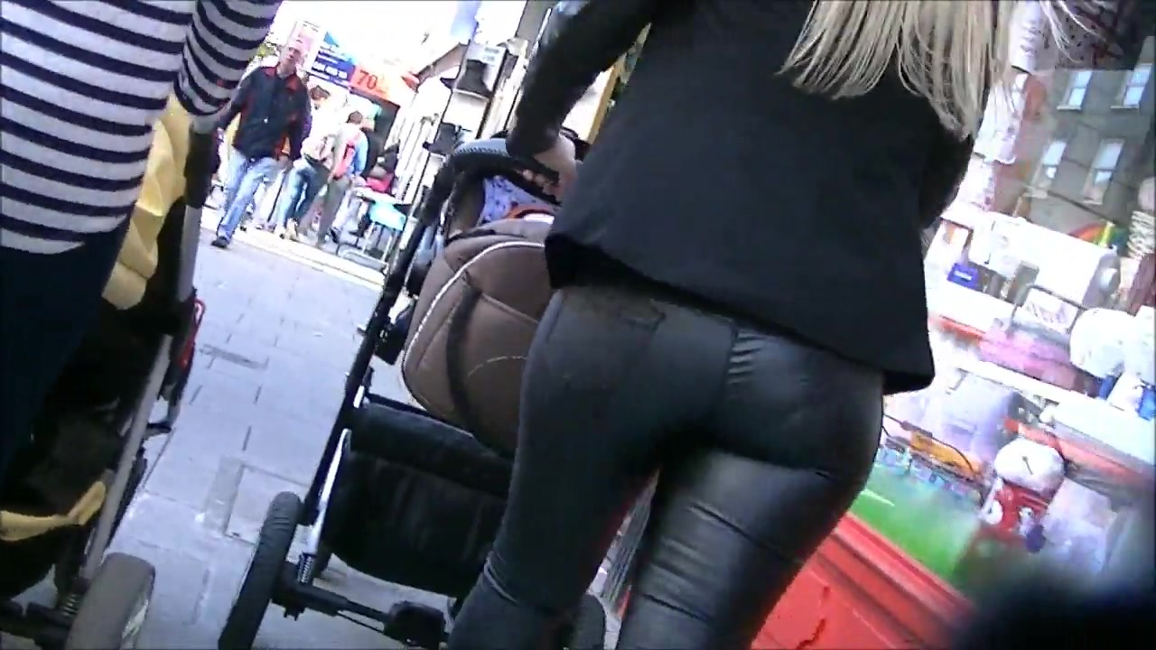 Candid milf ass shiny black leggings