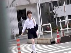 Inexperienced tender schoolgirl gets quickly pulled into street sharking