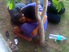 Kissing GF in delhi park