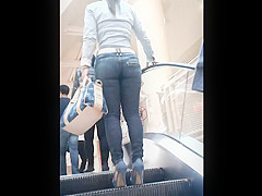 MILF in tight jeans