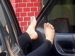 Feet car