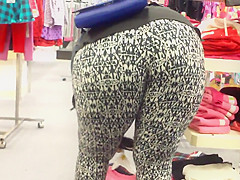 Juicy Jiggly Big Black Ass Bending At Sears. . .