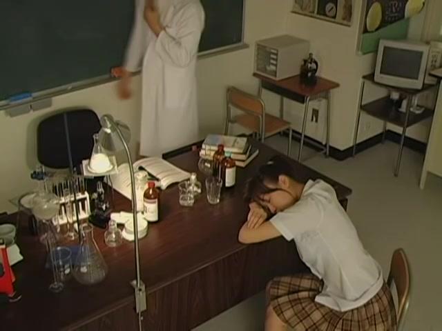 Viser medieindlæg til japansk skolepige-9257