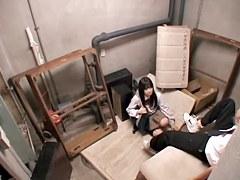 Jap babe gives a masterful blowjob on hidden camera