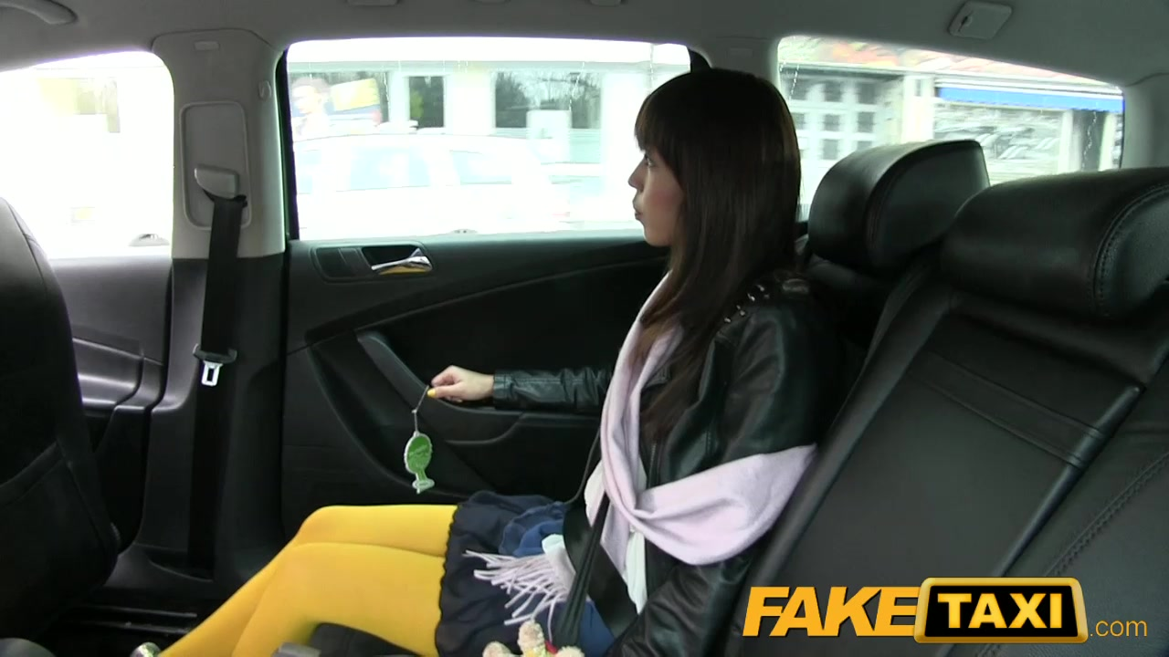 Faketaxi japanese tourist acquires her taut love tunnel screwed voyeurhit