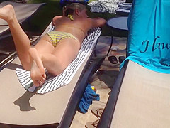 Candid Sexy Feet at the pool in the Pose