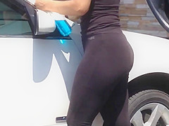 Latina see thru leggings vid1