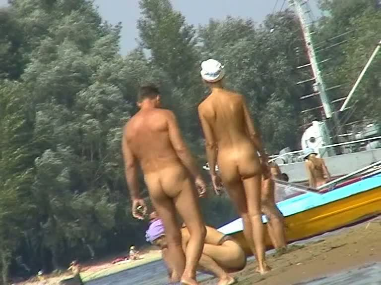 Couples sunbathing nude