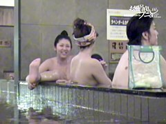 Hidden shower cam spying girl with nude body and wet hair dvd 03305
