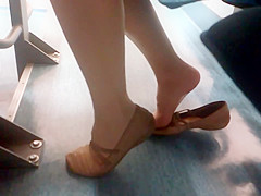 Candid nylon feet pictures