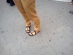 Public Feet 23