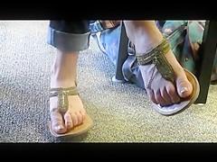 Candid Feet: Sexy Library Feet
