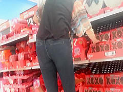 Candid Milf VDay Shopping