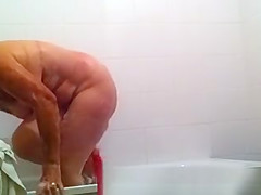 Granny spied in bath tub