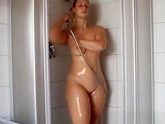 Big ass chubby wife showering