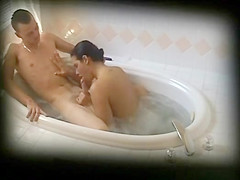 Oral sex in jacuzzi