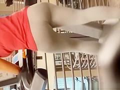 Big ass chick in grey leggings