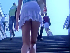 Voyeur couldn't wait to see her ass