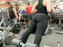 Muscular ass spotted in the gym