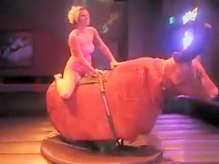 Bull ride reveals the chick's arousing ass