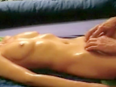 Ravishing slim stunner has her hirsute pelvis fingered
