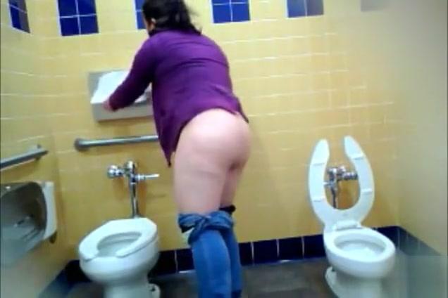 puerto rican nude from public bathroom