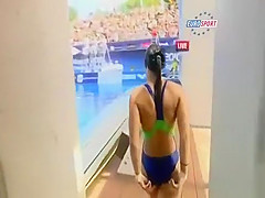 Sexy divers in swimsuits have great asses