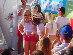 Wet tee shirt ladies at a Spring Break party