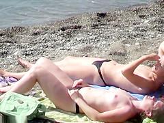 vanucci nude Victoria