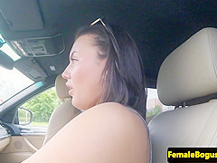 euro cabbie hottie blows dick outdoors