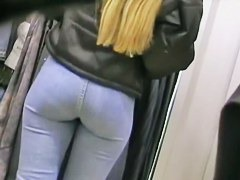 Slim Latina with a big booty shows her sexy butt in jeans