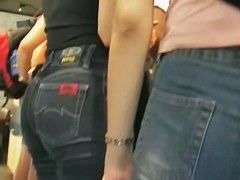 Two hot college chick's big candid asses