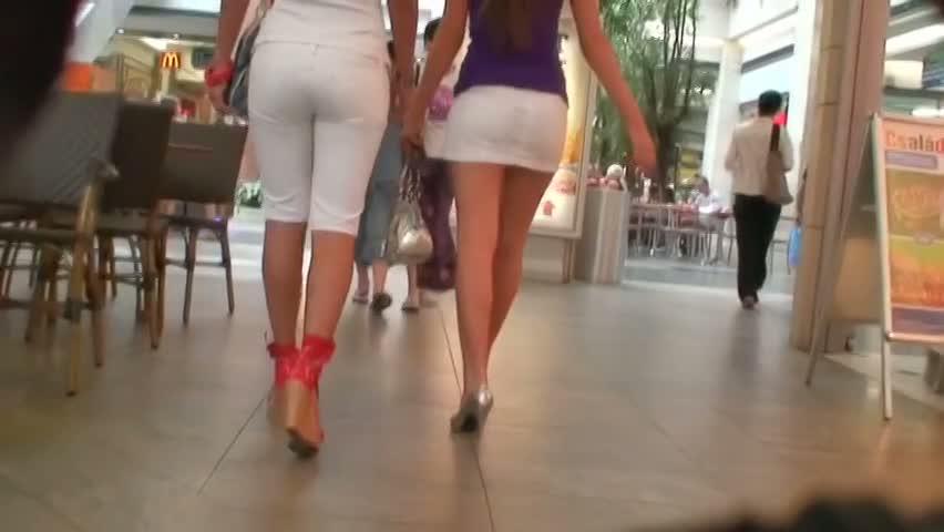 Mall sluts