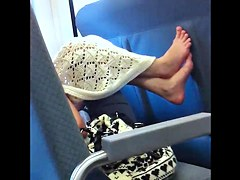 Seat Feet Candid 002