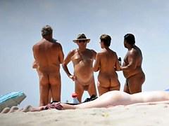 beach couple nude