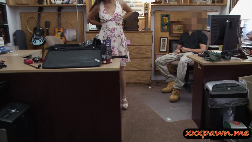 Ex dominatrix pawns her equipments and fucked by pawn man
