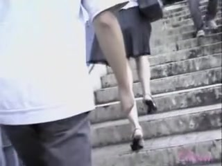 Skirt sharked babe got scared by some guy who wanted her ass