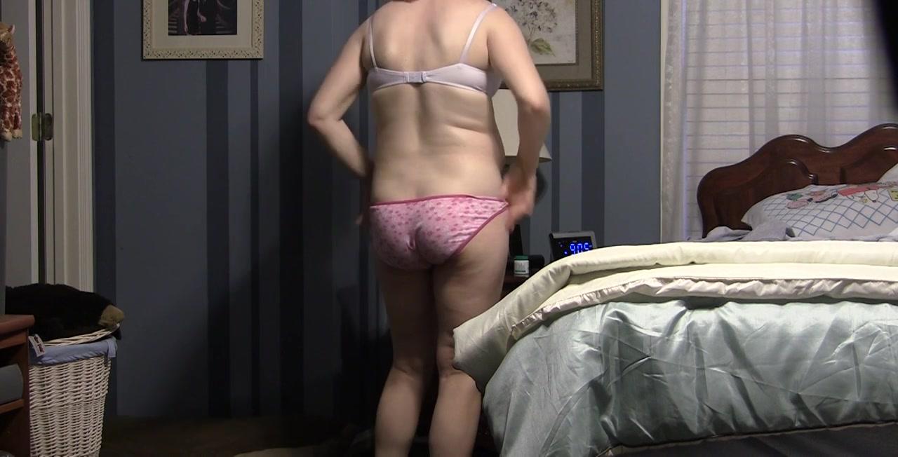 Pregnant spycam