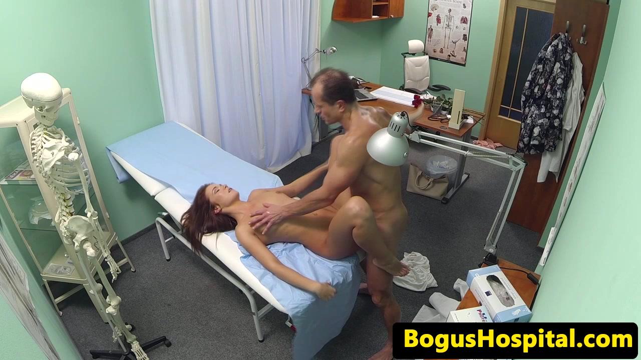 порно скрытой камерой в роддоме - 2