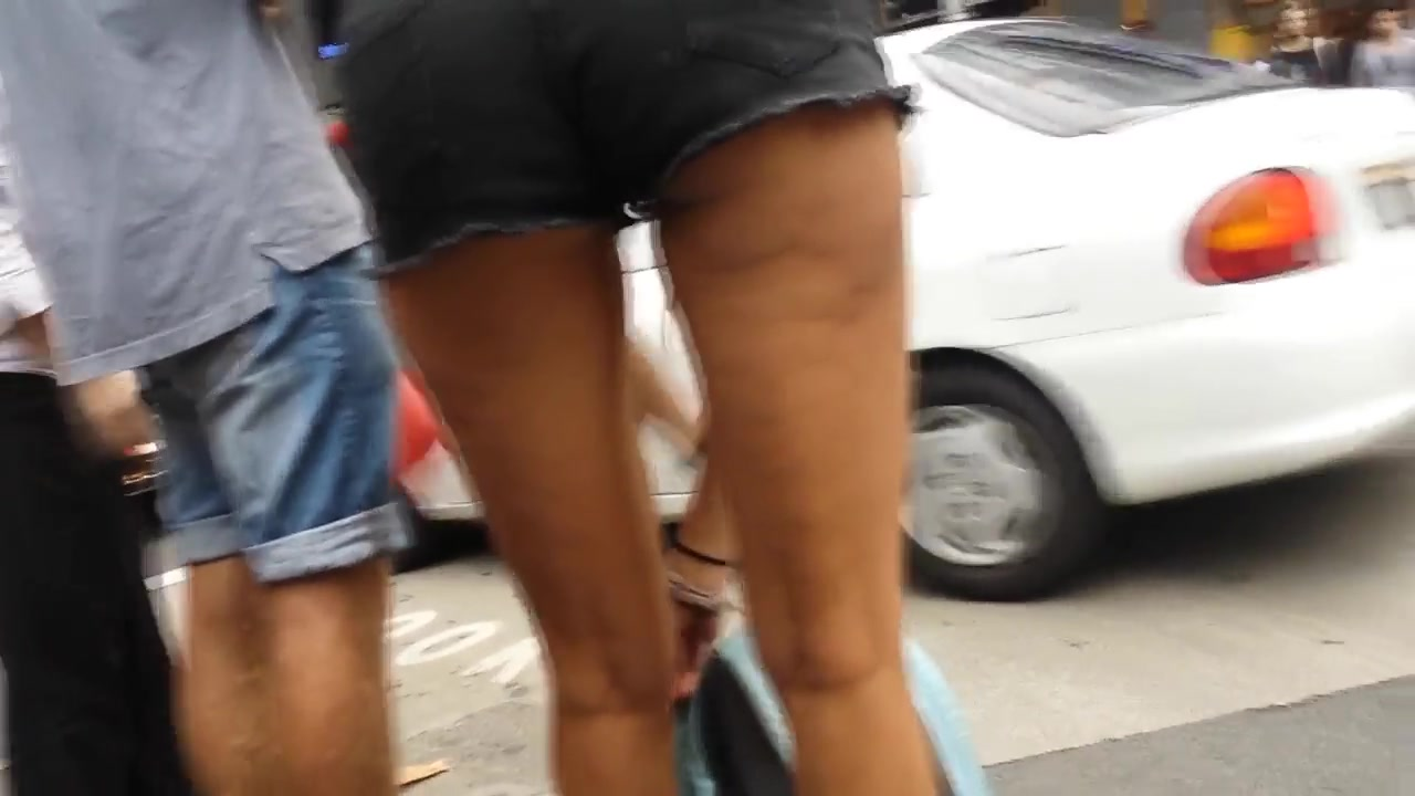 Bare Candid Legs - BCL#093