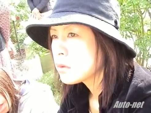 Public downblouse video filmed by a voyeur
