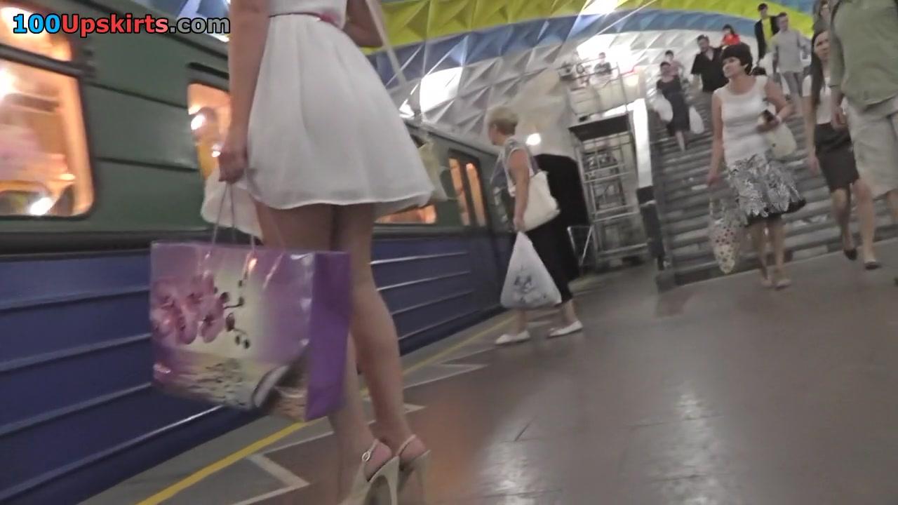 Bubble arse under mini skirt in upskirt movie