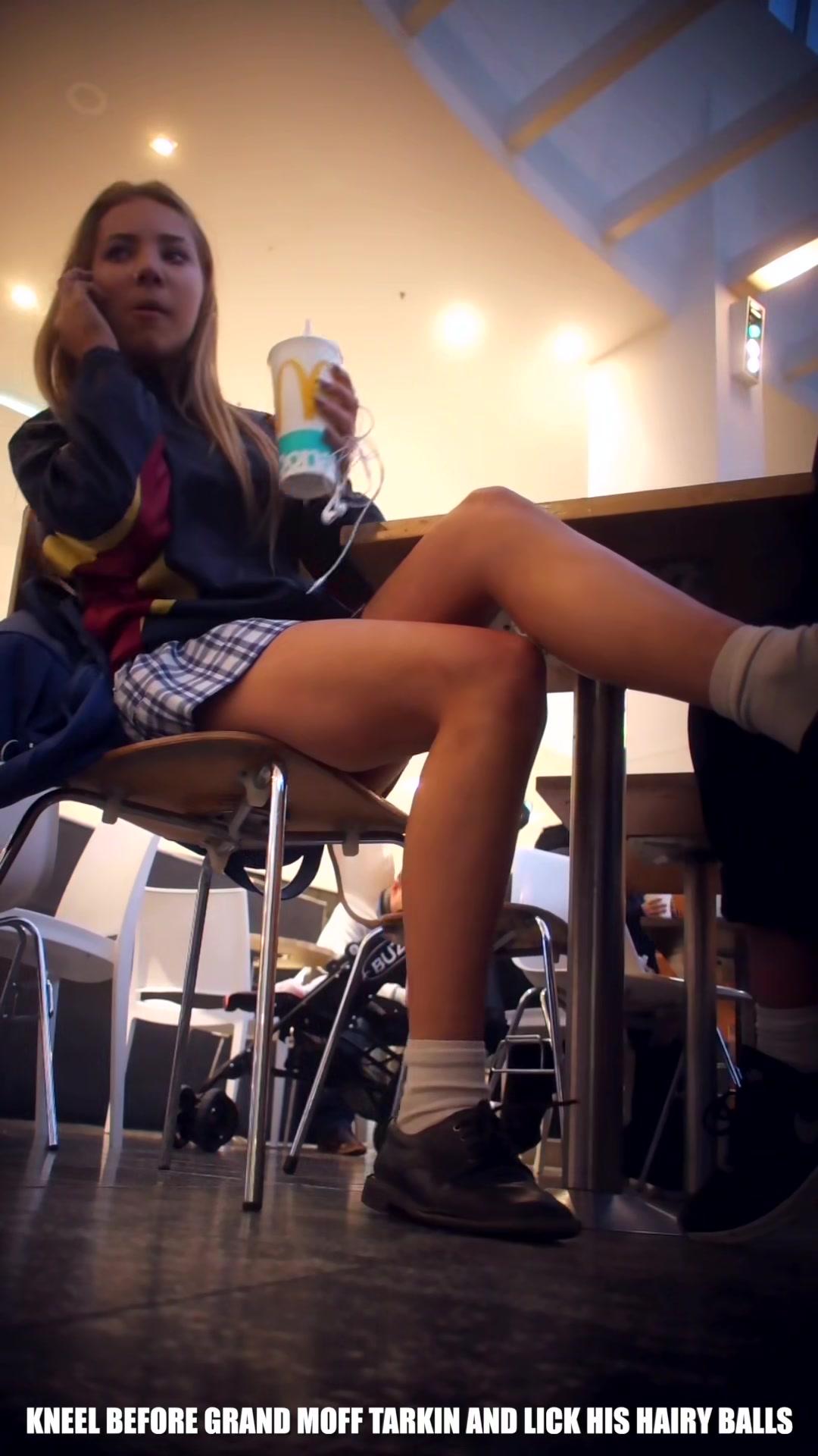 Teen Schoolgirl Sexy Upskirt-1190